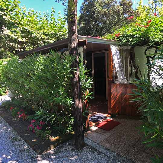 Bungalow for 2 and 4 people in Marina di Massa
